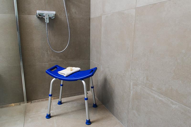 Duschstuhl blau